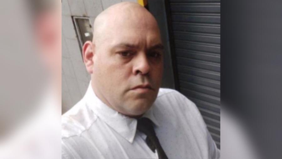 "<p>Диего Молина. Фото © t<a href=""https://www.thesun.co.uk/sport/13327769/diego-maradona-selfie-body-worker-police/"" target=""_blank"" rel=""noopener noreferrer"">hesun.co.uk</a></p>"