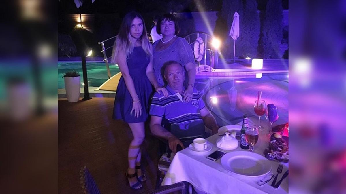 Сен-Тропе. Надежда Левицкая отмечает 21 год совместной жизни с мужем Алексеем. Фото © instagram