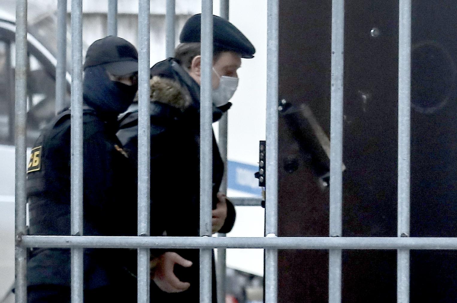 Суд оставил в СИЗО мэра Томска Ивана Кляйна
