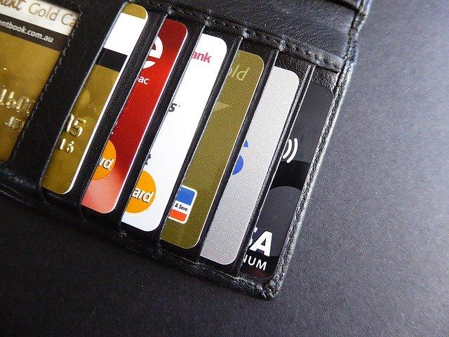 """В """"Роскачестве"""" рассказали, как защитить банковскую карту от мошенников"""