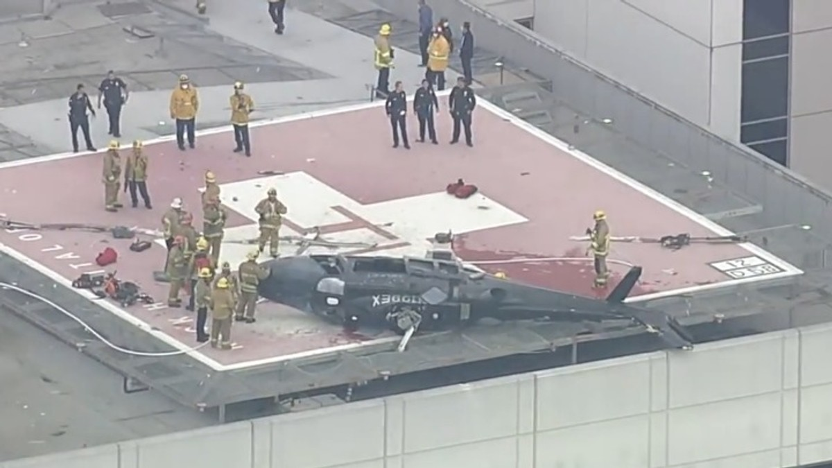 """<p>Фото <strong style=""""font-weight: bold;"""">© </strong><a href=""""https://fox5sandiego.com/news/california-news/helicopter-transporting-donor-heart-from-san-diego-crashes-on-helipad-at-usc-hospital/"""" target=""""_blank"""" rel=""""noopener noreferrer"""">fox5sandiego.com</a></p>"""
