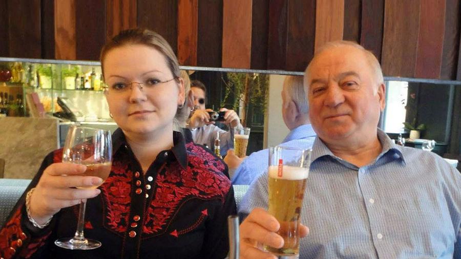 <p>Сергей Скрипаль и его дочь Юлия.Фото©Public Domain Pictures</p>
