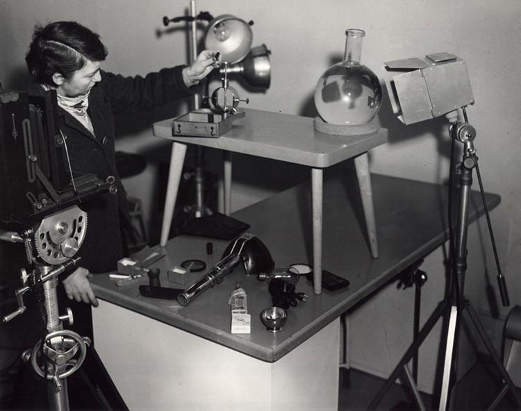 Беренис за работой. Фото © MIT