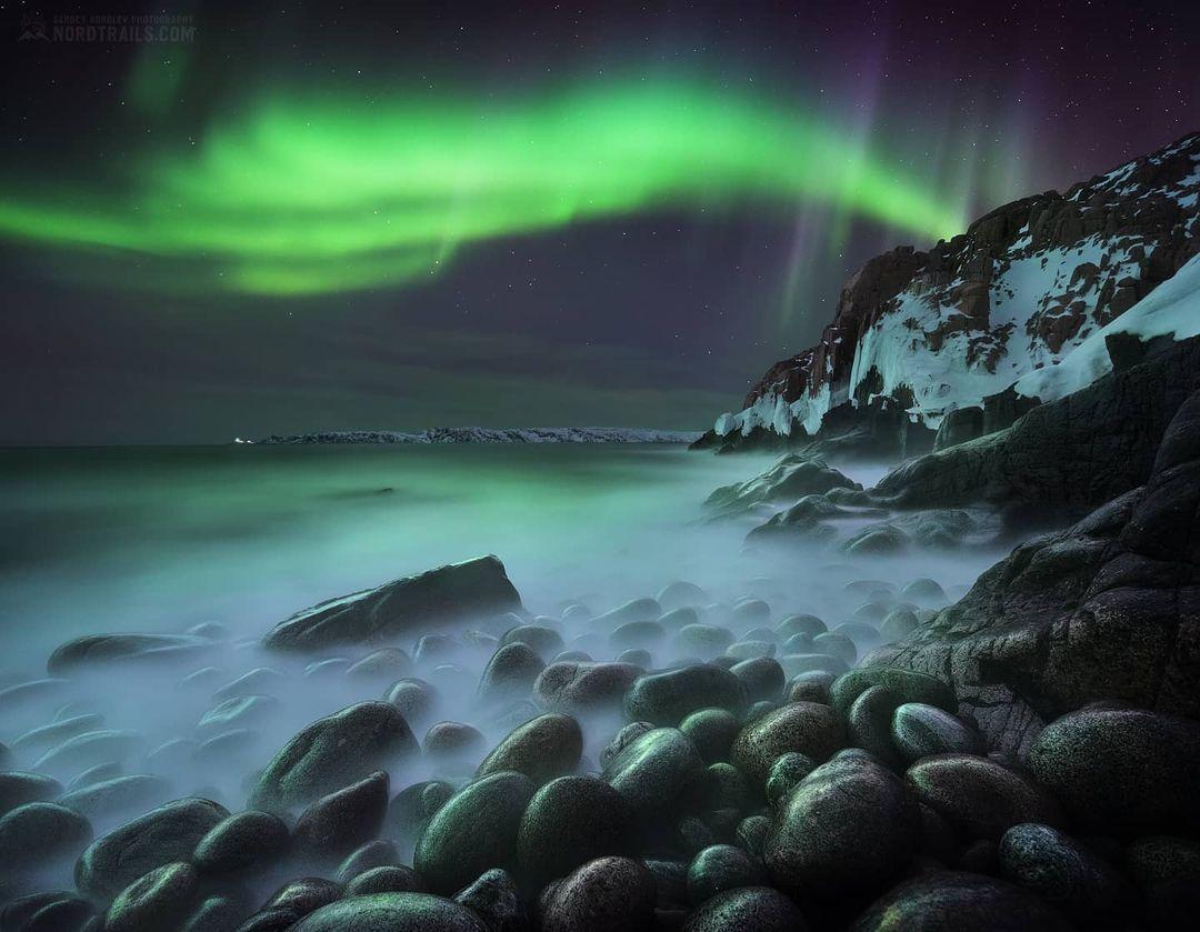10 фотографий северного сияния, при виде которых хочется собрать чемоданы и пуститься на его поиски