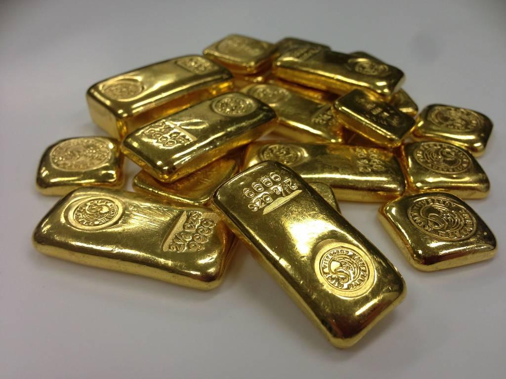 Везут в карманах и багажниках. В Минфине объяснили, откуда в Россию поступает фальшивое золото