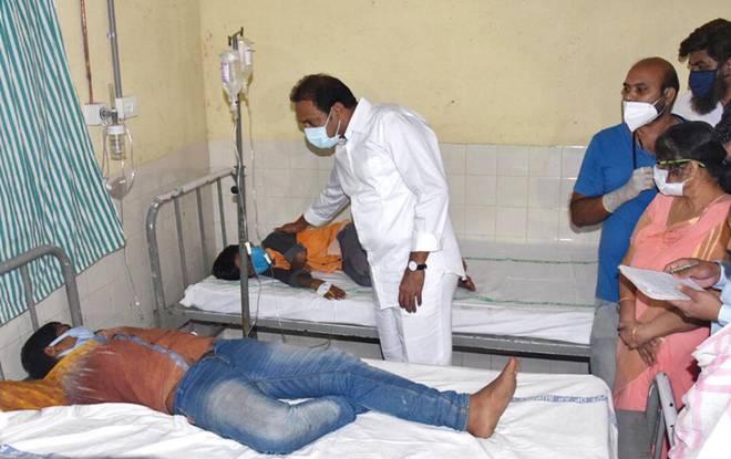 "<p>Фото © <a href=""https://www.thehindu.com/news/national/andhra-pradesh/170-hospitalised-with-unknown-disease-in-west-godavari-districts-eluru/article33262635.ece"" target=""_blank"" rel=""noopener noreferrer"">The Hindu</a></p>"