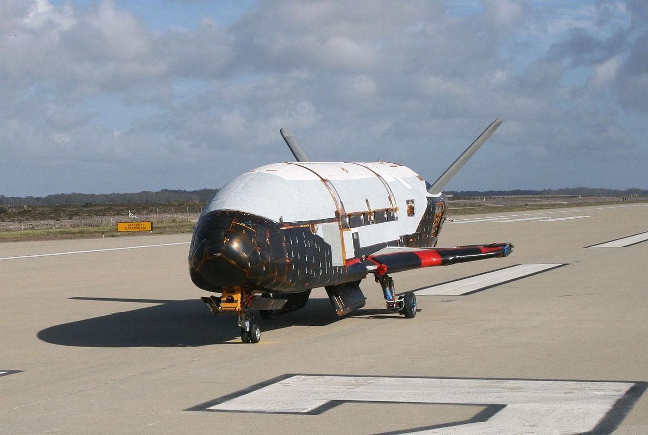 Орбитальный самолёт Boeing X-37. Фото © Википедия