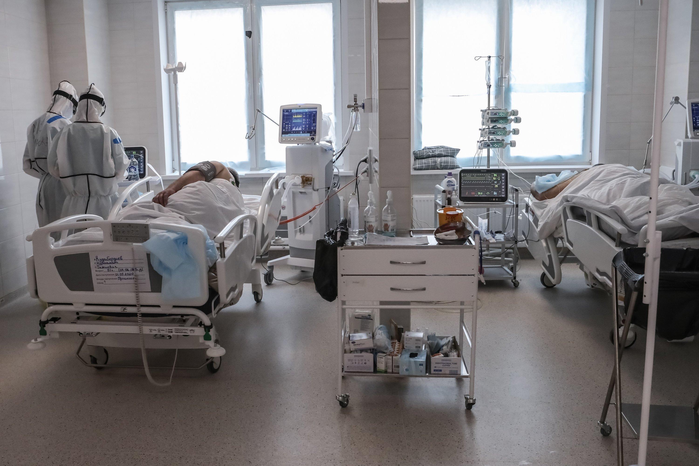 Власти Москвы начали выводить из резерва койки для больных коронавирусом