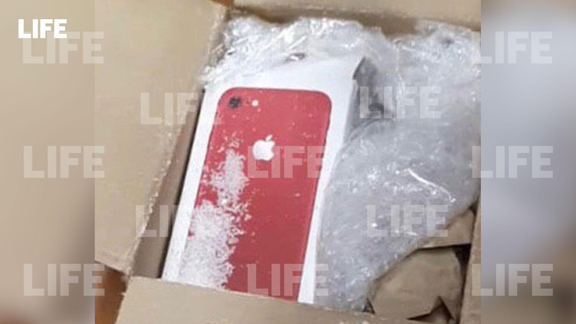 В Москве мошенники украли 17 айфонов, положив в коробки сахар