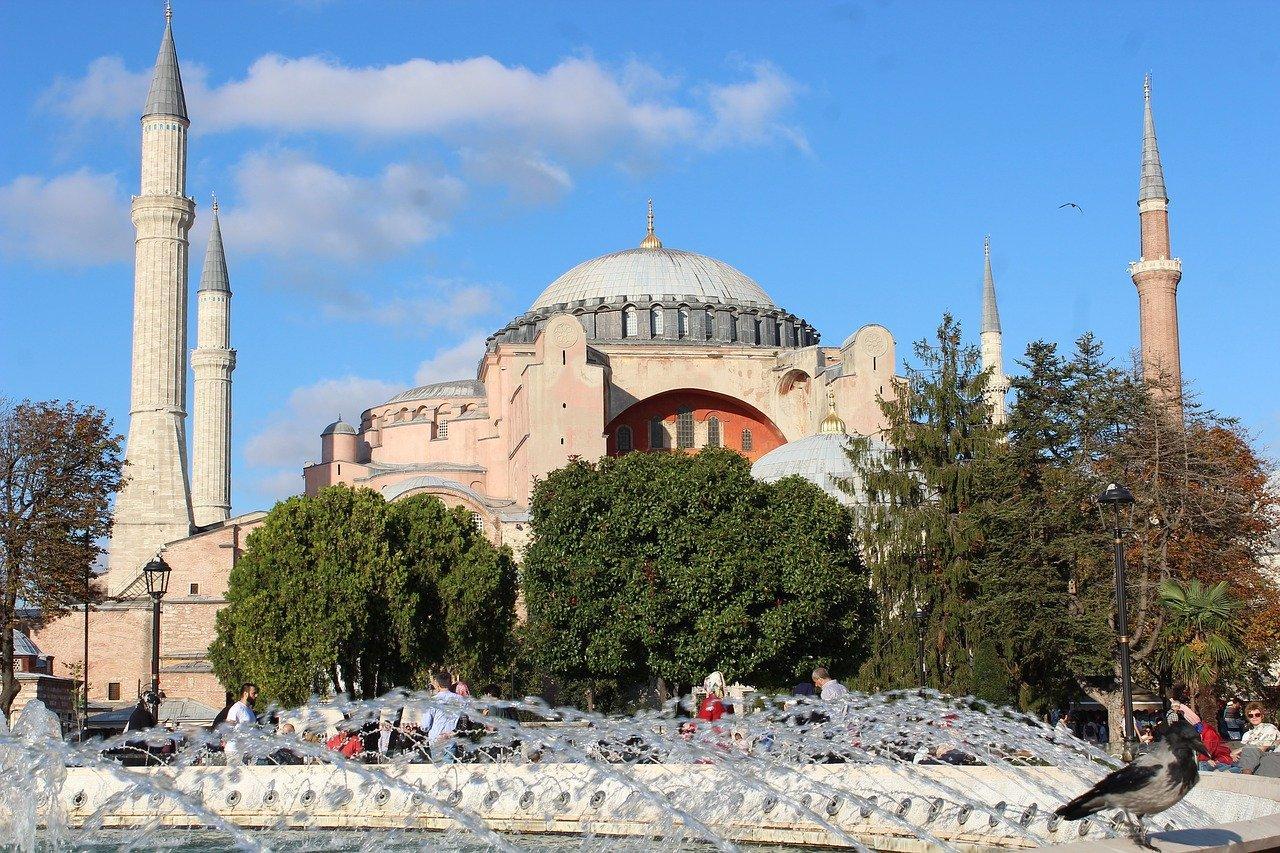 В РПЦ прокомментировали решение Турции по смене статуса собора Святой Софии