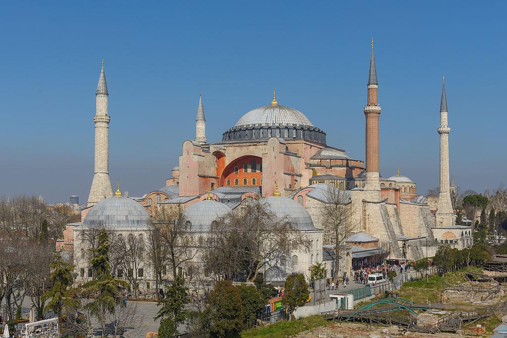 Храм Святой Софии в Стамбуле снова стал мечетью