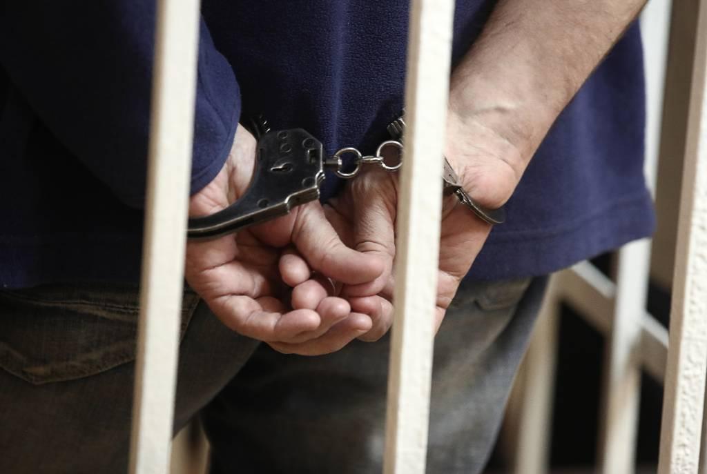 На Сахалине арестовали подозреваемую в убийстве школьницы семейную пару