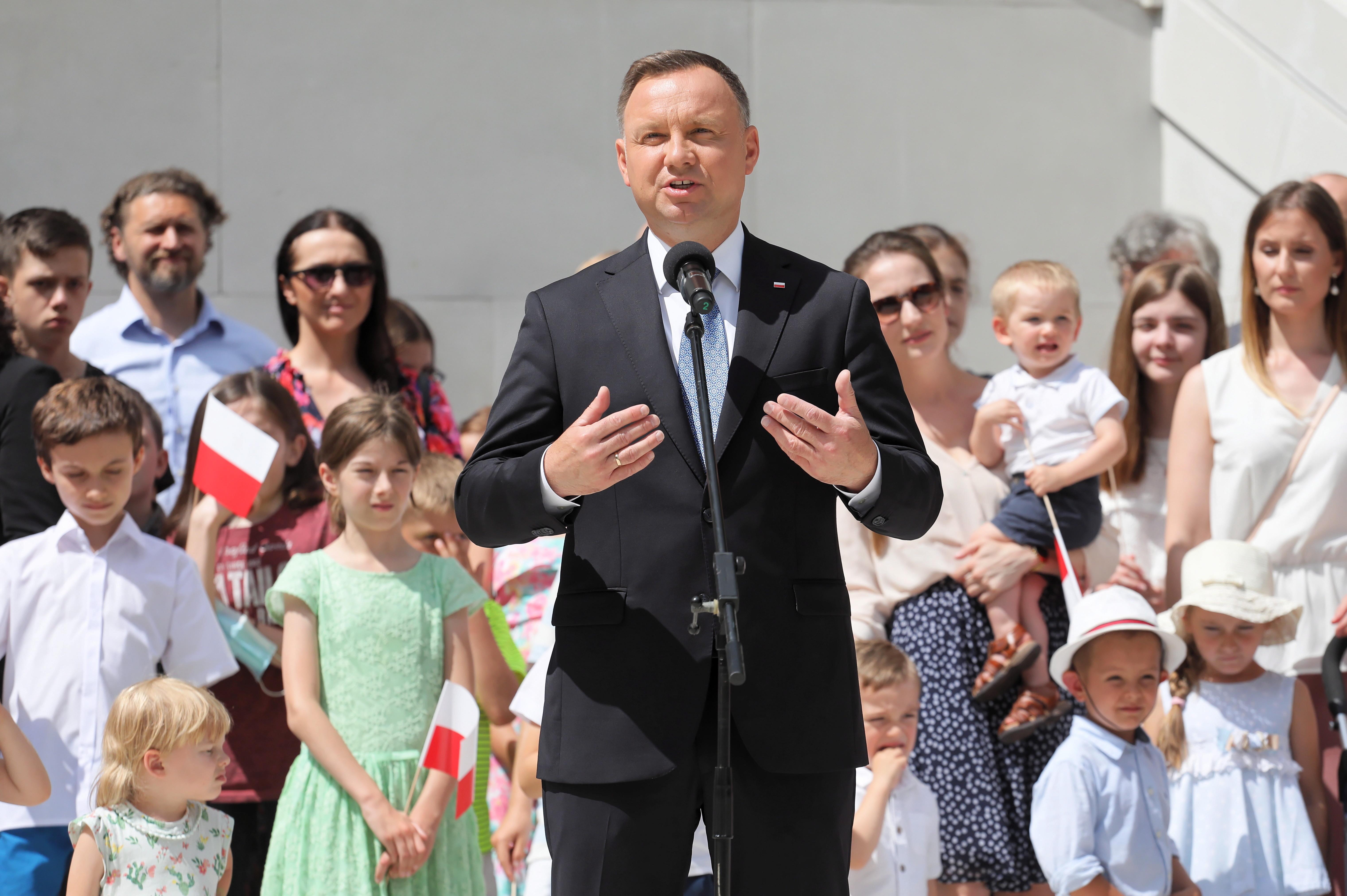 Экзит-пол: Действующий президент Польши Дуда выиграл второй тур выборов