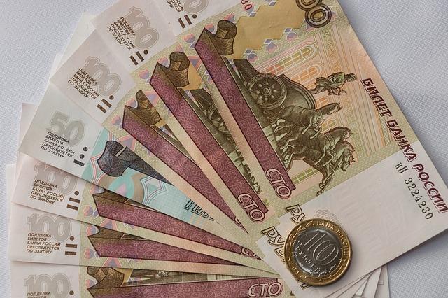 В России назвали разницу в зарплатах мужчин и женщин