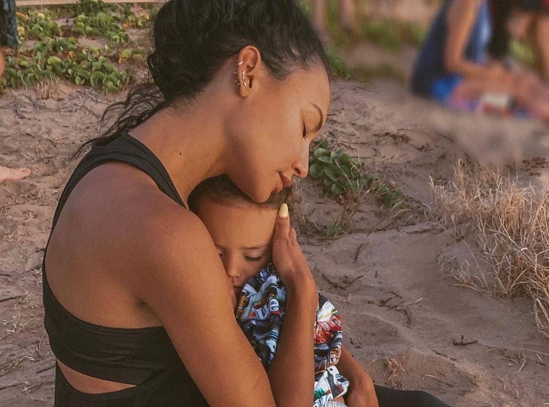 """Стало известно, при каких обстоятельствах погибла звезда сериала """"Хор"""" на глазах у 4-летнего сына"""