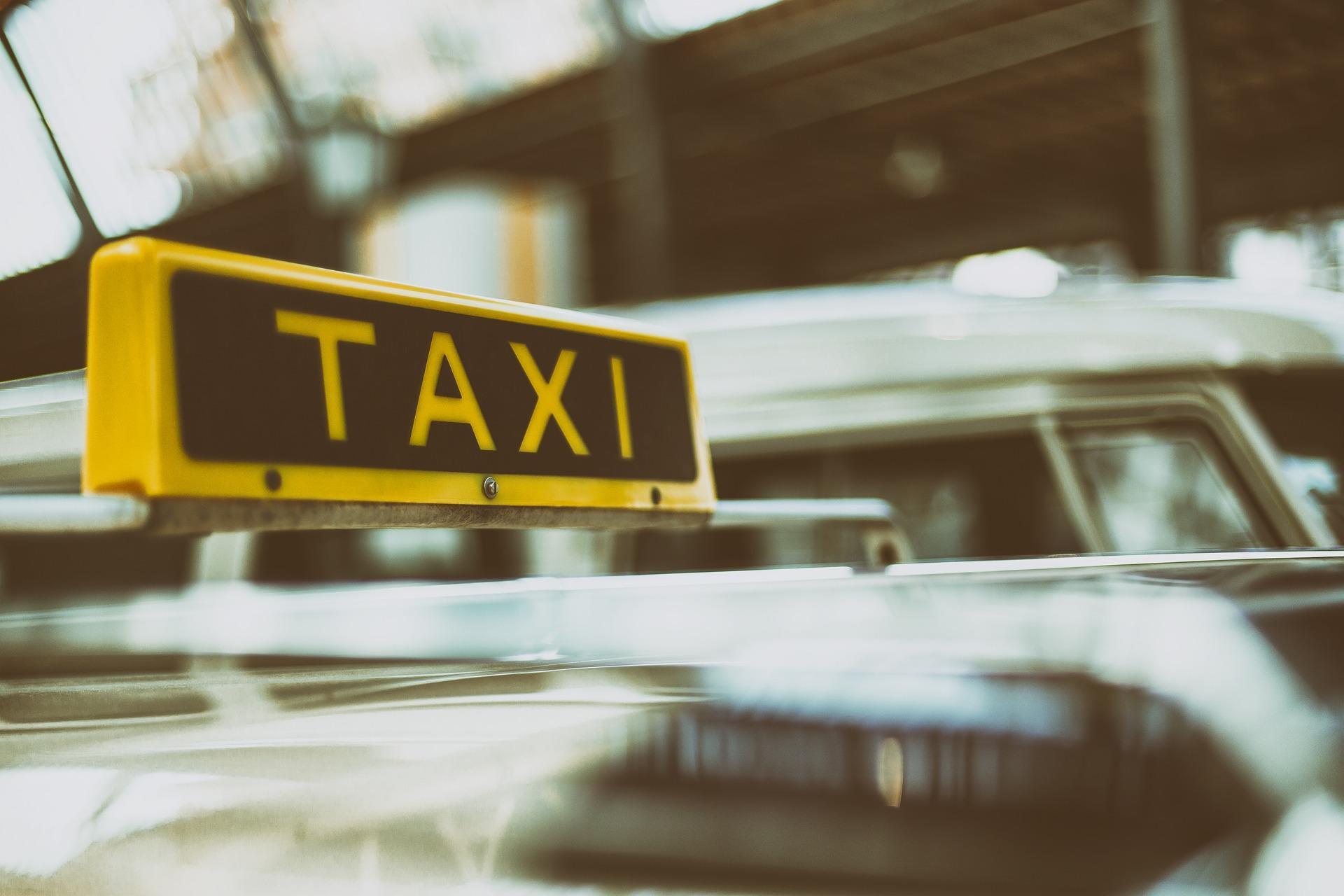 Водитель такси объяснил, что заставило его пассажира открыть стрельбу  на МКАД