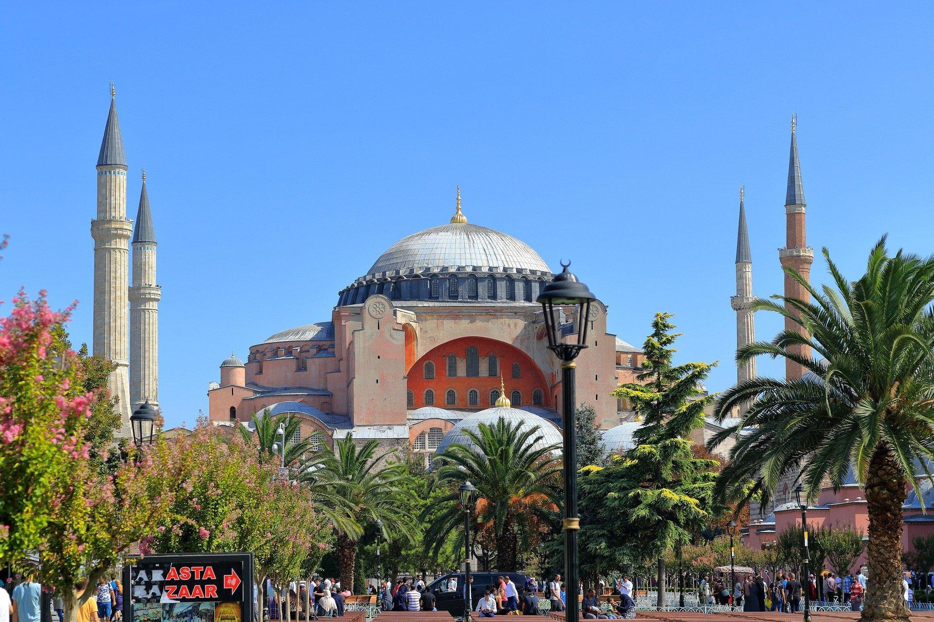 Эрдоган резко ответил накритику планов превратить храм Святой Софии вмечеть