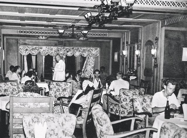"""Пароход """"Адмирал Нахимов"""" был для советских граждан символом красивой жизни: роскошные интерьеры, просторные каюты, уютные рестораны и бары, вышколенная команда  Фото ©itogi.ru"""