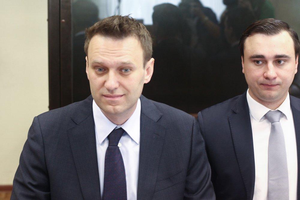 """<p>Алексей Навальный (слева). Фото © Агентство """"Москва"""" / Сергей Ведяшкин</p>"""
