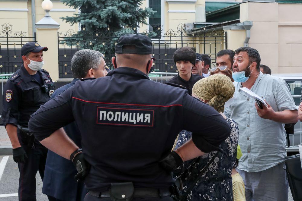 Иностранцам напомнили о последствиях из-за акций протеста по поводу закрытых границ