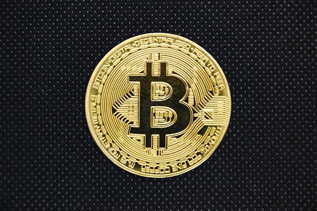 Цена биткоина впервые с начала лета превысила 10 тысяч долларов