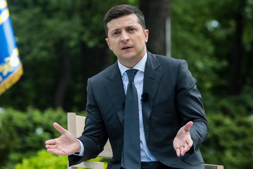 Пусть ездит голограмма. На Украине предложили запретить Зеленскому совершать официальные визиты