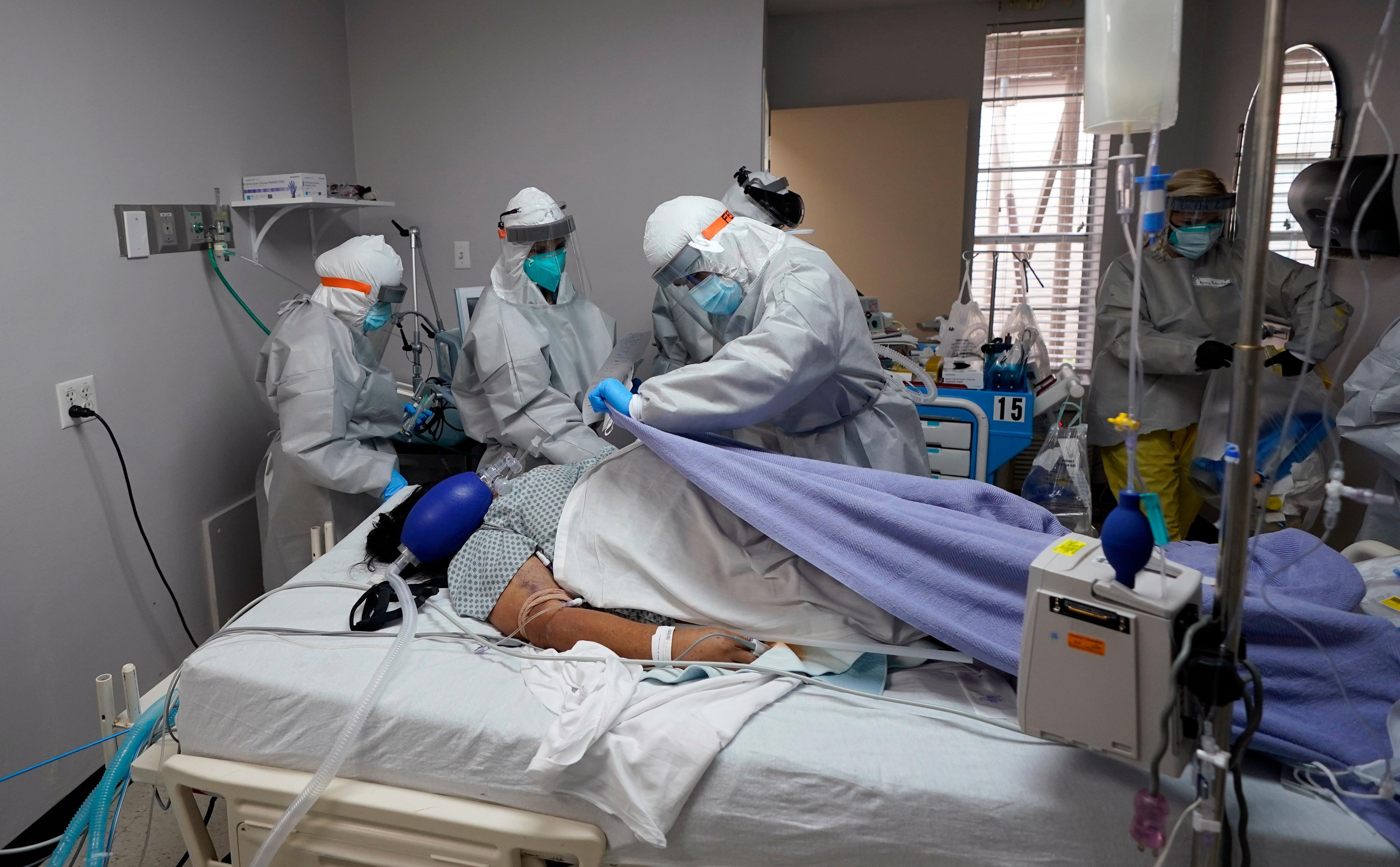 Число умерших пациентов с коронавирусом в США превысило 150 тысяч