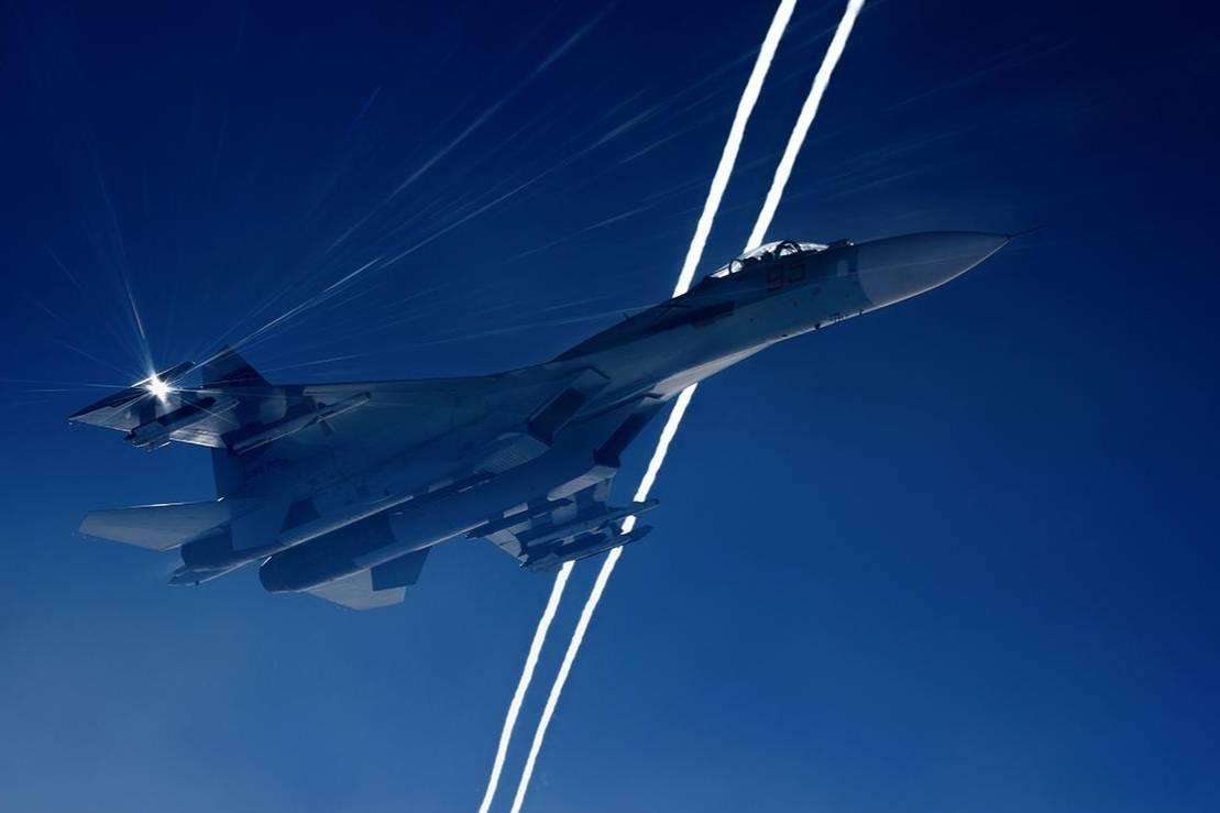 Российский Су-27 перехватил самолёты-разведчики ВВС США над Чёрным морем