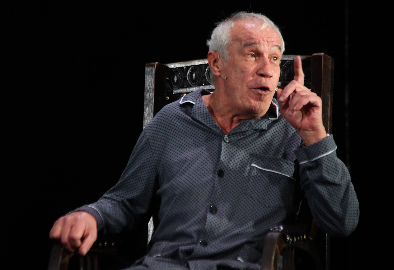 Коллеги Гармаша назвали катастрофой решение актёра покинуть