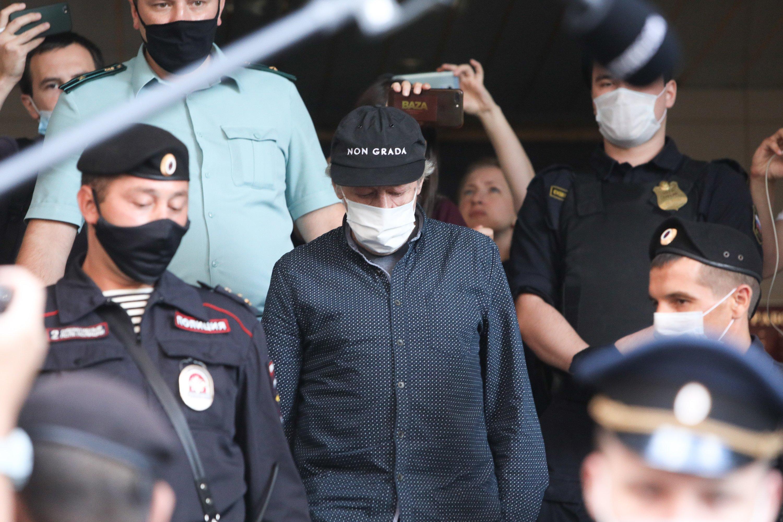 Адвокат опроверг заявления о требовании семьи Захарова с Ефремова 150 миллионов