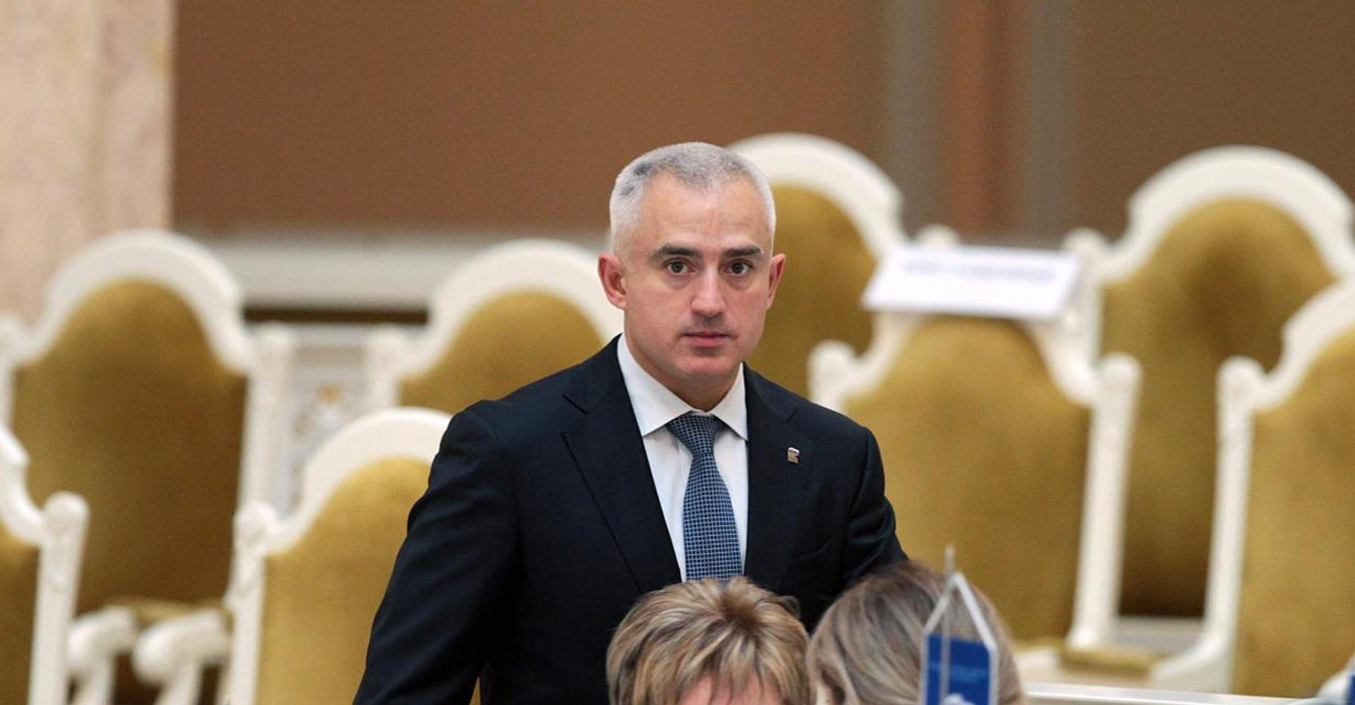 Суд арестовал депутата петербургского Заксобрания Романа Коваля
