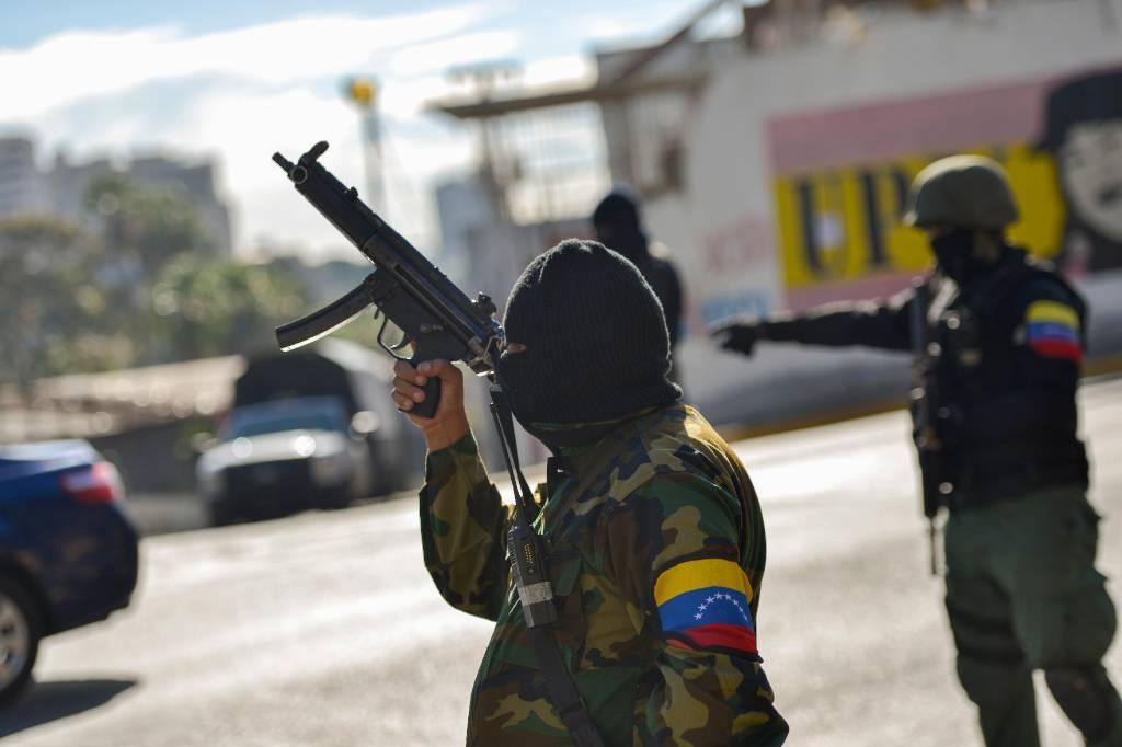 В Венесуэле военные сбили американский самолёт