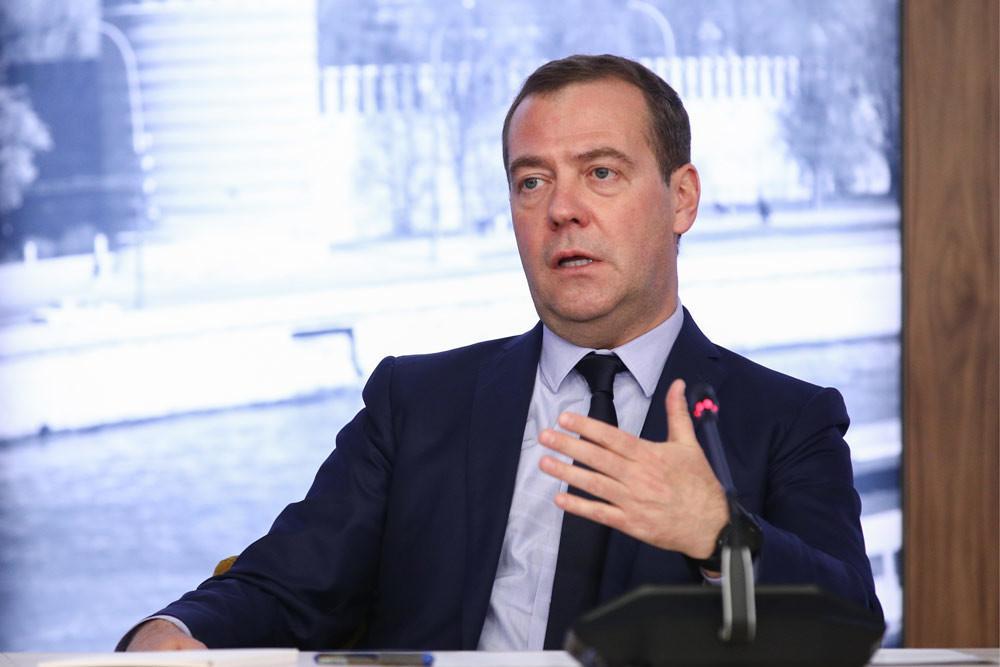 """""""Всё ещё впереди"""". Медведев рассказал о бизнесе своего сына"""