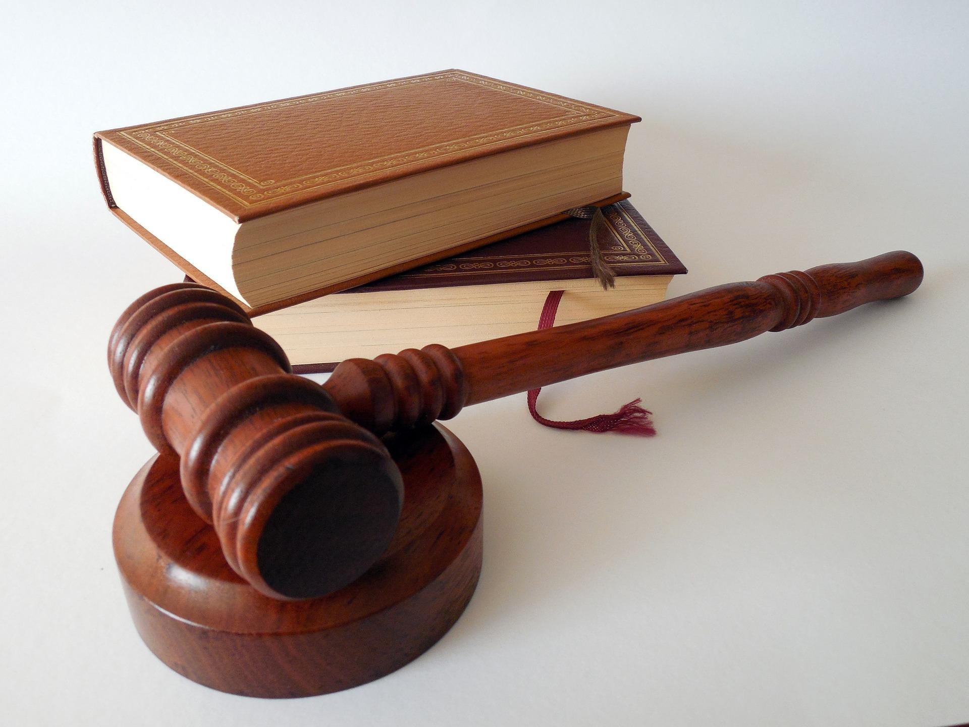 Министр по делам молодёжи Якутии оштрафован за нарушение условий госконтракта