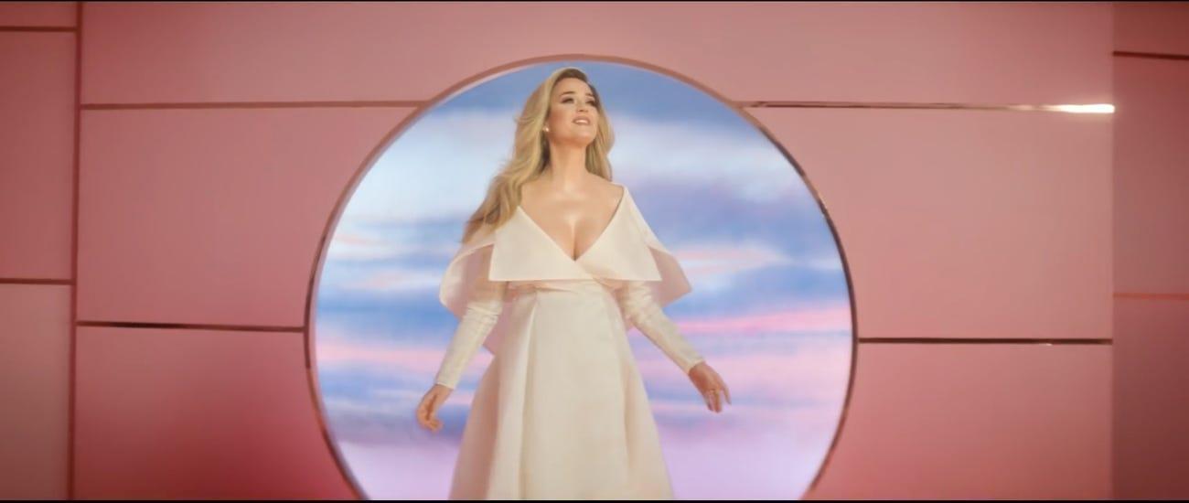 Кадр из видео © YouTube / Katy Perry