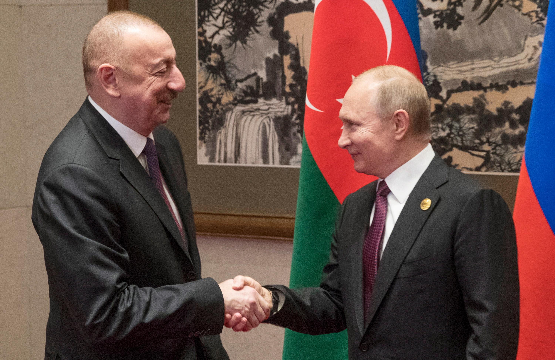 Президент Азербайджана поздравил Путина с регистрацией российской вакцины от коронавируса