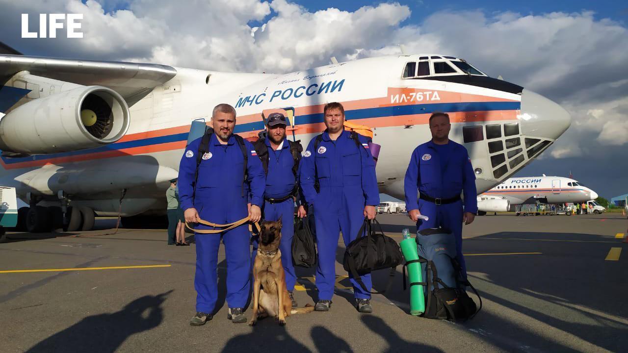 Группа сотрудников МЧС России в полном составе вернулась из Ливана