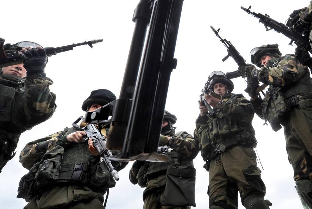 Лукашенко приказал направить десантников к западным границам Белоруссии