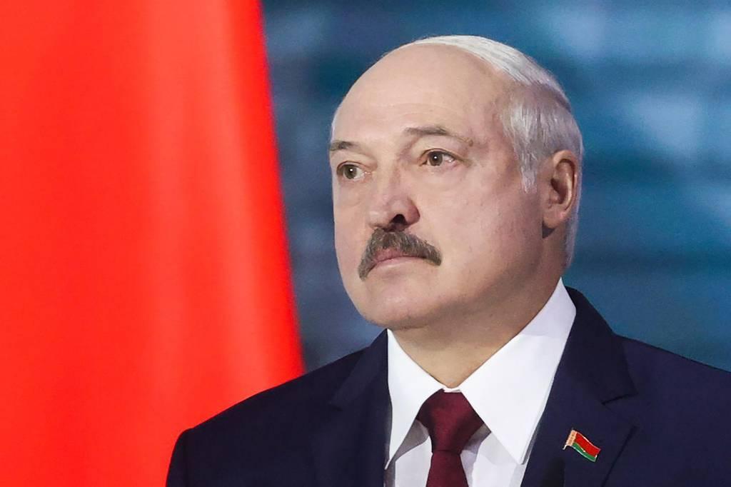 """Лукашенко заявил, что Путин """"абсолютно посвящён"""" в происходящее в Белоруссии"""
