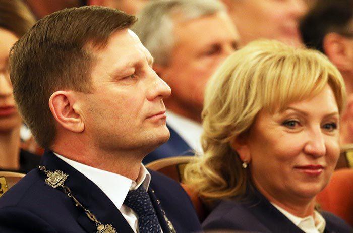 Губернатор Сергей Фургал с женой Ларисой Стародубовой. Фото © DVhab.ru