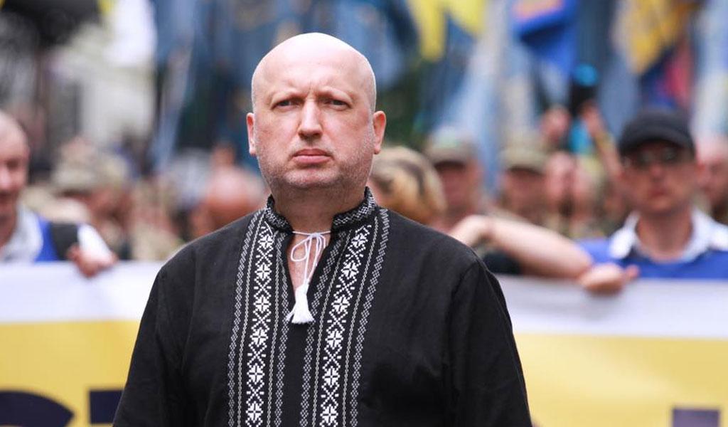 """""""Мы готовы помочь"""". Турчинов заявил, что у Зеленского есть возможности для вторжения в Крым"""