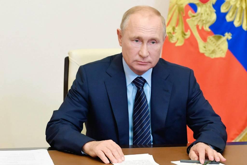 Путин подписал указ о вручении госнаград за вклад в реализацию перехода России на цифровое вещание