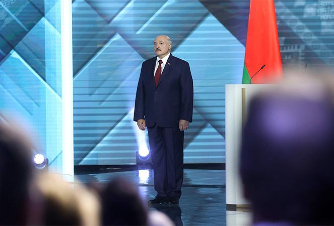 """""""Я не святой, но вы меня знаете"""". Лукашенко усомнился, что стране нужен другой президент"""