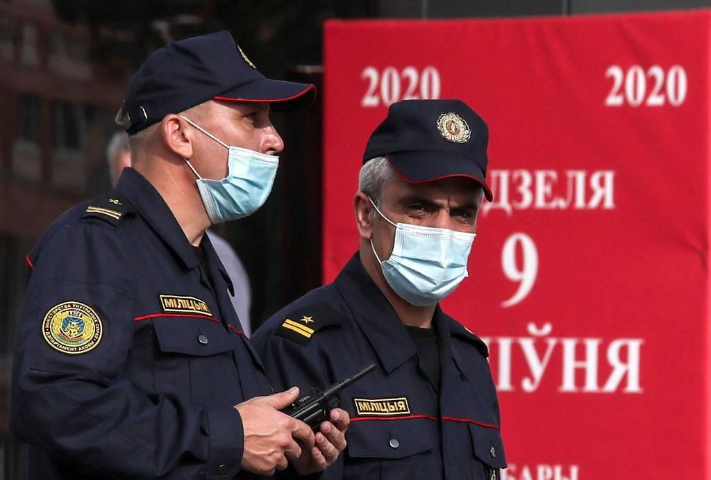 """В Минске отпустили задержанных журналистов """"Дождя"""""""