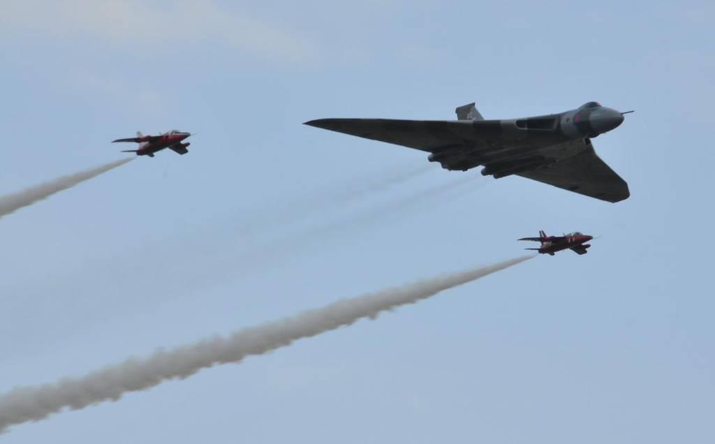 СМИ: Британские флот и авиация активизировались у границы России