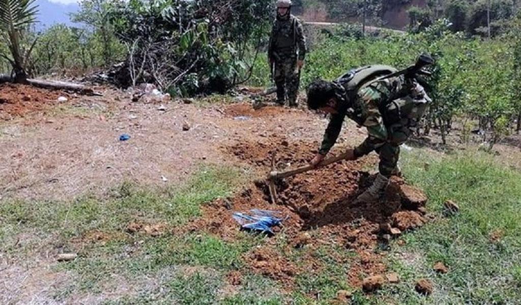 Полиция Перу откопала в Андах более 400 кг кокаина с символикой Бэтмена