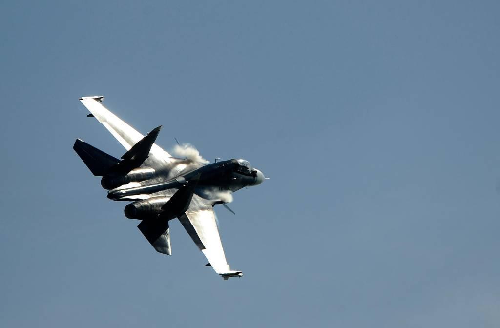 Резкий манёвр и белый дым. Лайфу стали известны показания свидетеля о крушении Су-30 под Тверью
