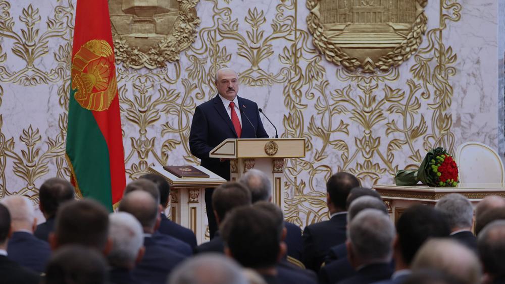 Почему Лукашенко избегал внимания и как инаугурация связана с Госдумой РФ