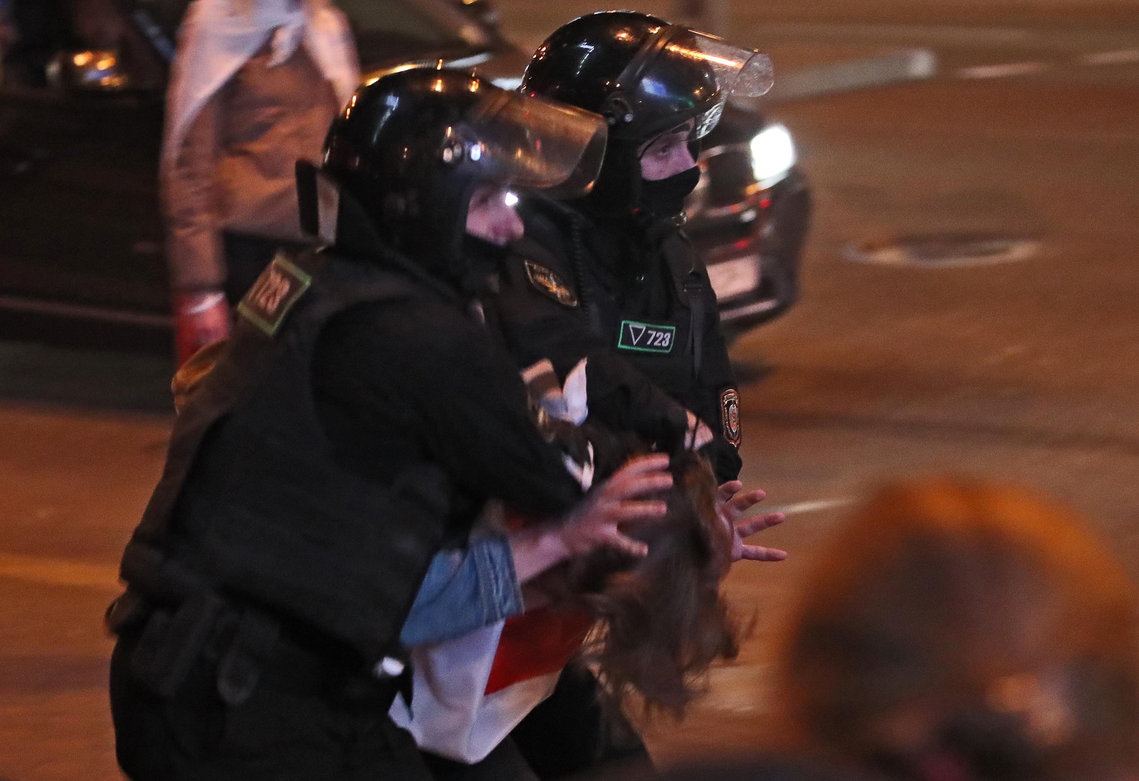 На протестах в Минске задержано несколько десятков человек