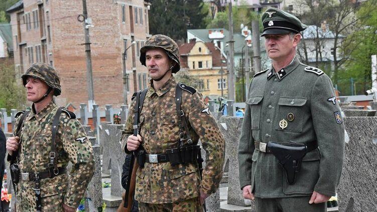 """На Украине передумали считать нацистской символику дивизии СС """"Галичина"""""""